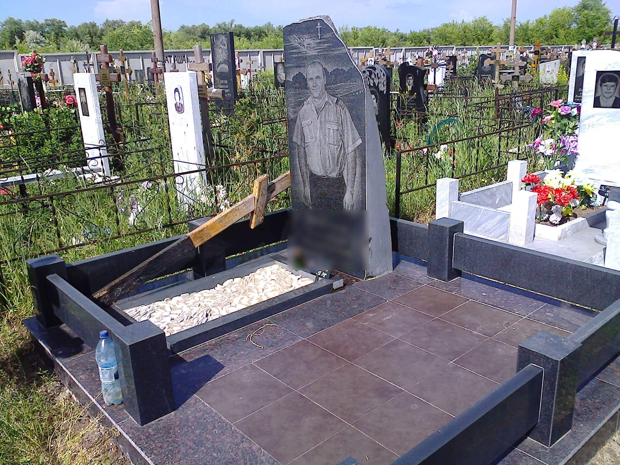 Заказать памятник на могилу недорого самаре памятники в москве рисунки 9 мая